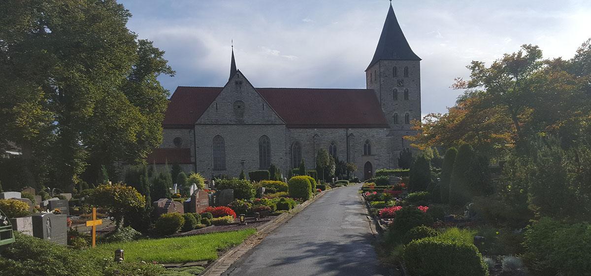 Bestatter Berens Bestattungen Kirche in Paderborn Elsen