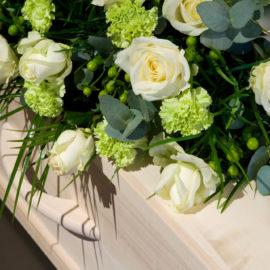Blumen Trauer - Berens Bestattungen
